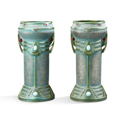 Paire De Vases dans Le Goût Amphora