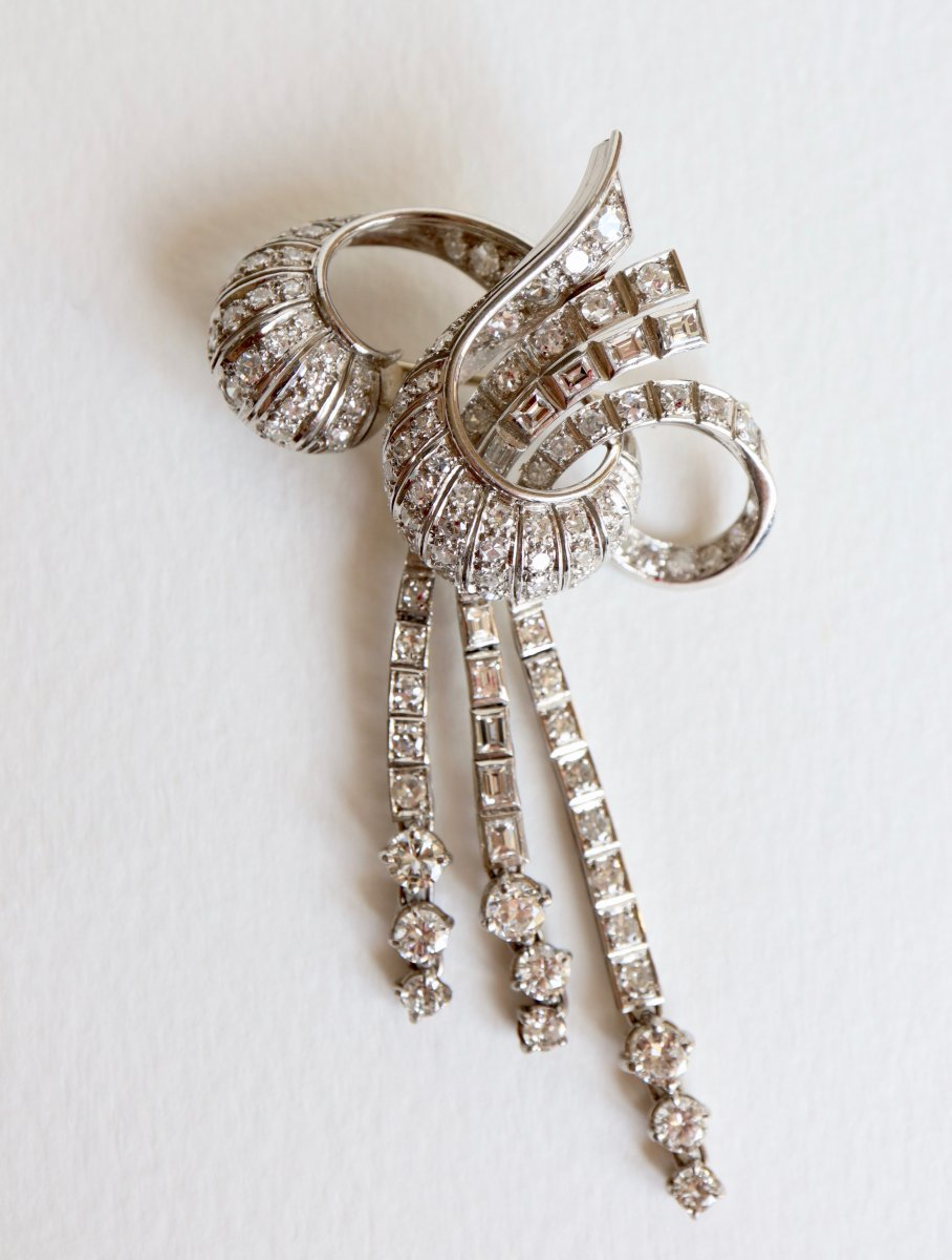 Brooch Knot Towards 1940-1950 18k White Gold And Diamonds