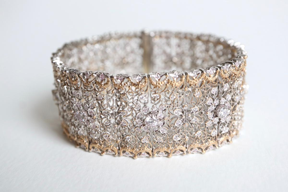 Beautiful Fishnet Bracelet Yellow Gold And White Gold 18 Kt Inlaid With Diamonds-photo-3