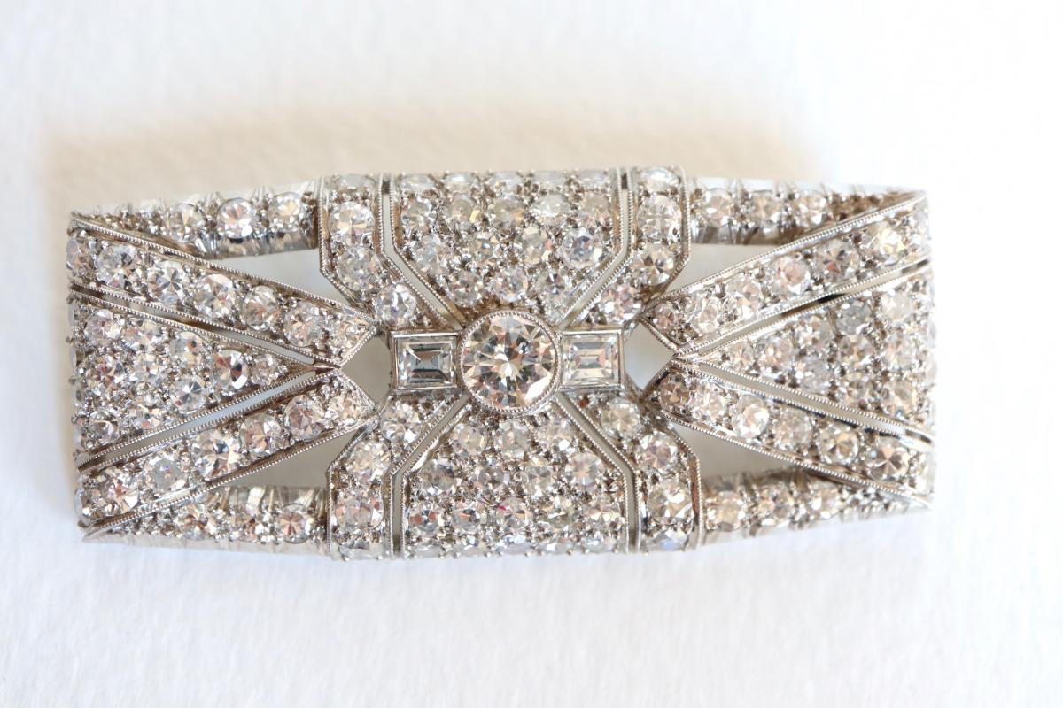 Brooch Art Deco Plate In Platinum And White Gold 18 Carats 1930-40