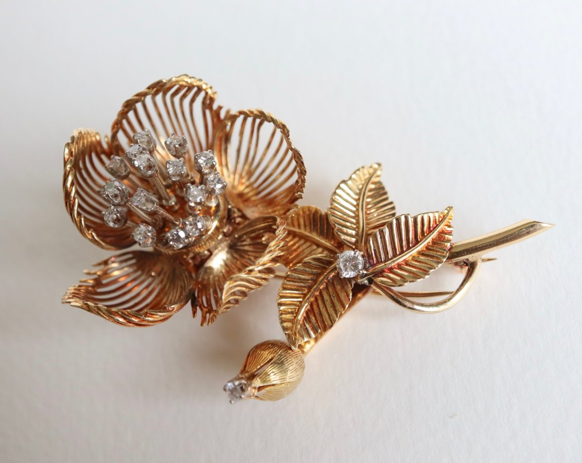 18kt Yellow Gold Flower Brooch Representing A Rose 1960's