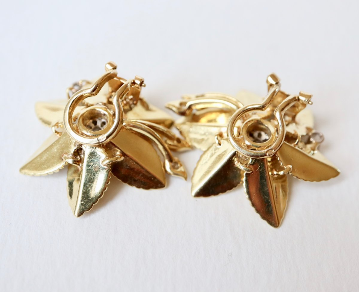 Flower Clip Earrings In 18 Kt Yellow Gold And Diamonds-photo-2