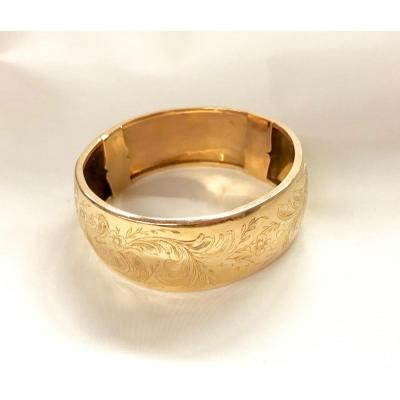 18 Kt Gold Engraved Rigid Bracelet
