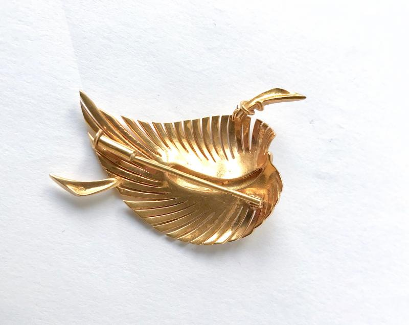 Leaf Brooch In 18k Yellow Gold-photo-2