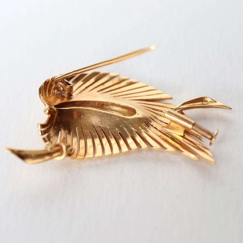 Leaf Brooch In 18k Yellow Gold-photo-3