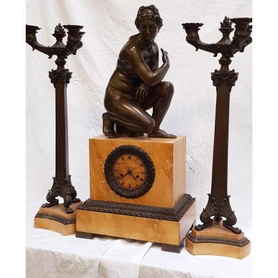 Bronze Clock Squatting Aphrodite