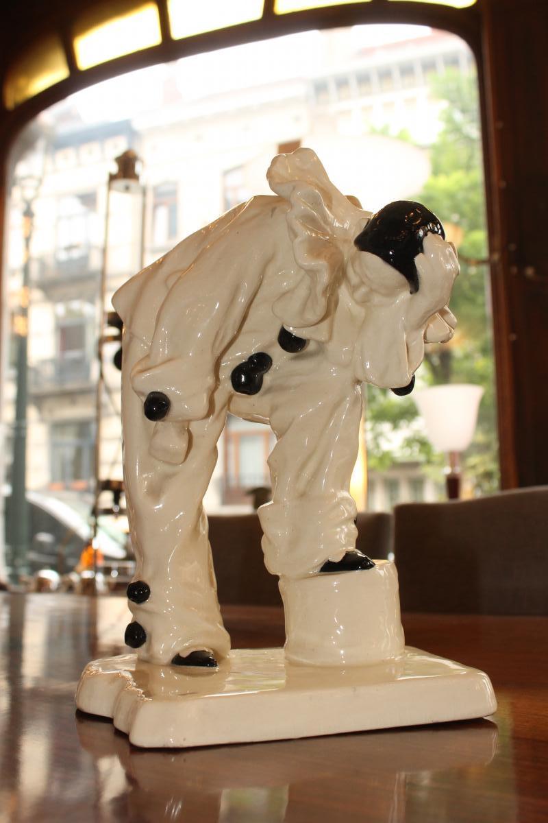Craquelé Art Deco Représentant Un Pierrot (cat: Céramique Art Deco 1930)