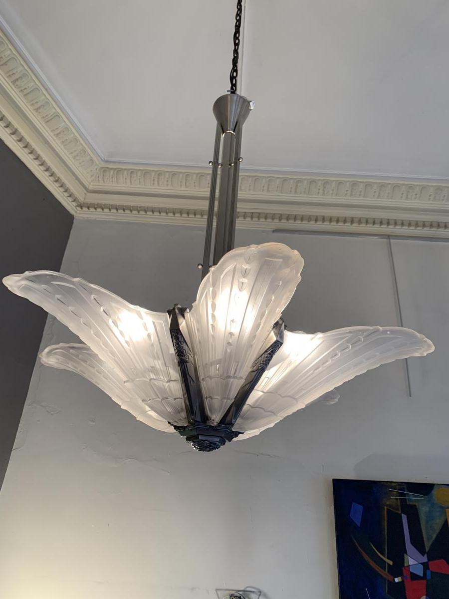 Lustre Art Deco EJG à 6 cornets de verre moulé-pressé (cat: