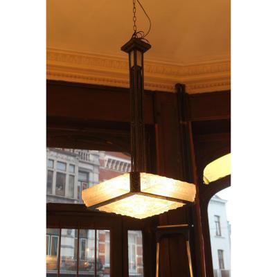 Lustre Art Deco en fer forgé  Epoque 1930 Verrerie belge (catégorie: lustres art déco)