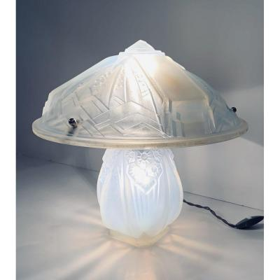 Art Deco Opalescent Lamp Signed Müller Frères Lunéville (cat: 1930s Art Deco Lamps)