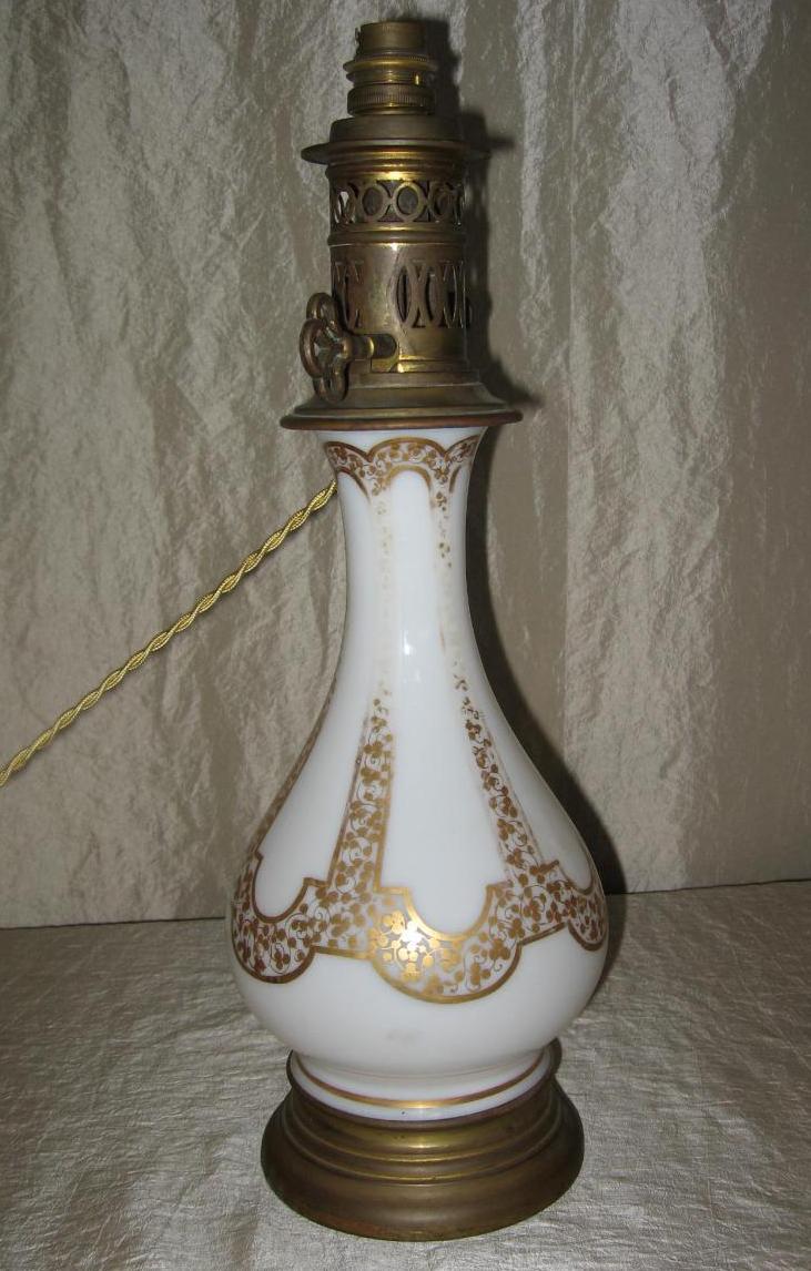Lampe En Opaline Blanche Napoléon III