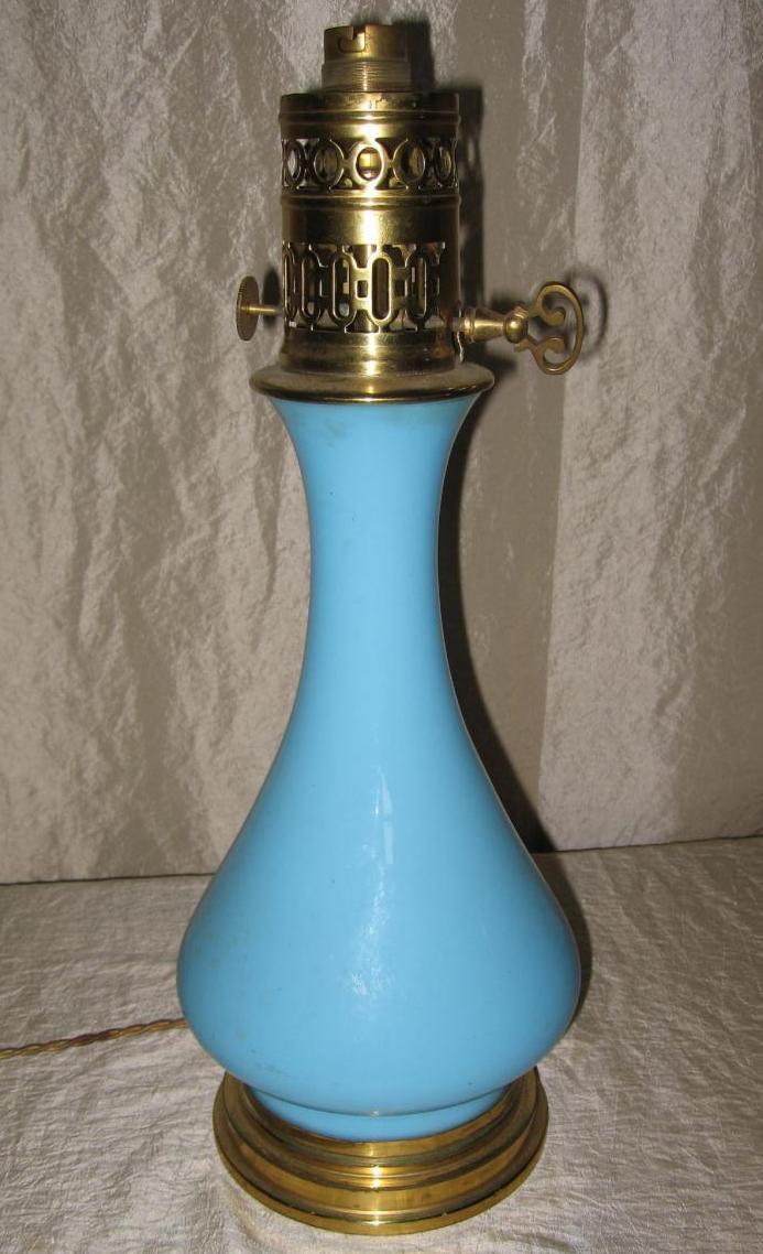 Lampe Napoléon III En Opaline Bleue