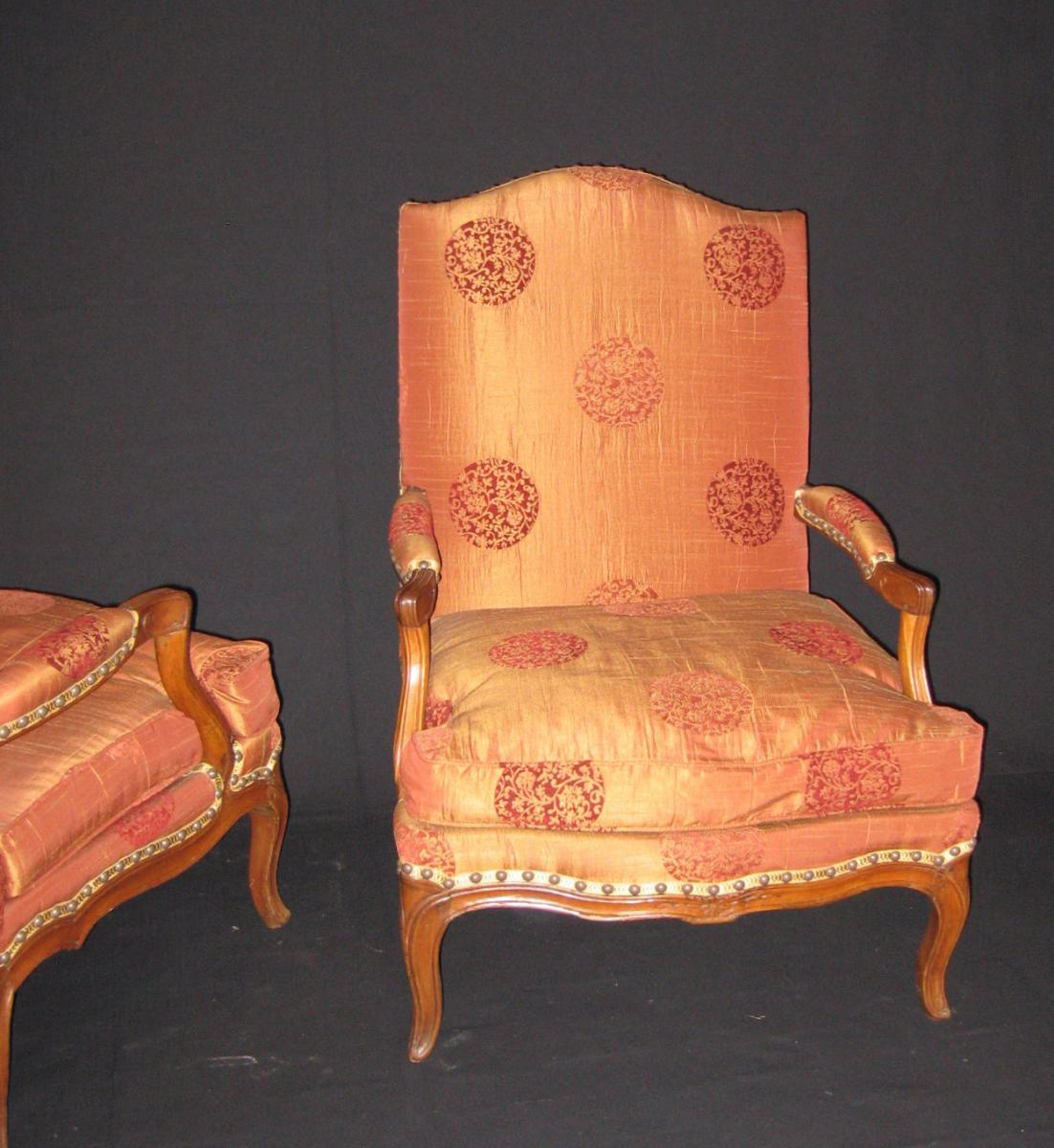 paire de fauteuils coin de feu d 39 poque louis xv fauteuils. Black Bedroom Furniture Sets. Home Design Ideas