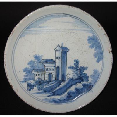 Assiette En Faïence De Nevers XVIIe Siècle