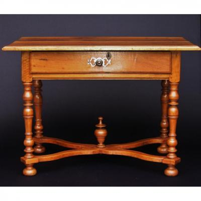 Table Louis XIV En Noyer.
