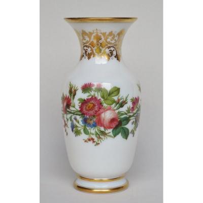 Vase En Opaline Époque Restauration.