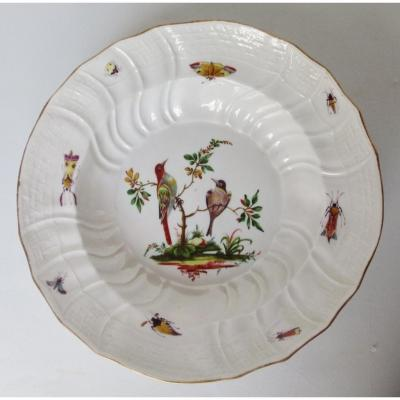Assiette En Meissen, XVIIIe Siècle.