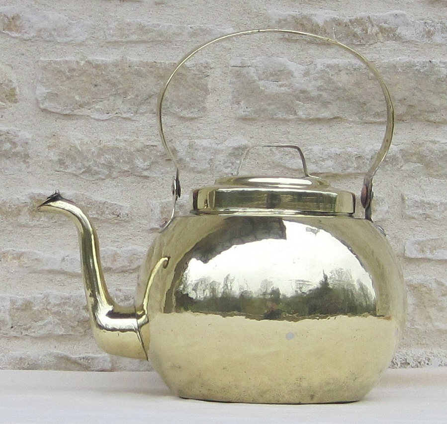 Brass Kettle. Late Eighteenth And Early Nineteenth Century.