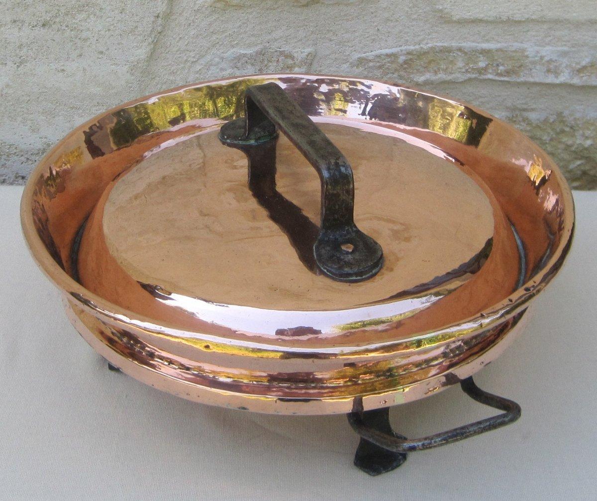 Tourtière en cuivre. XVIIIe s.