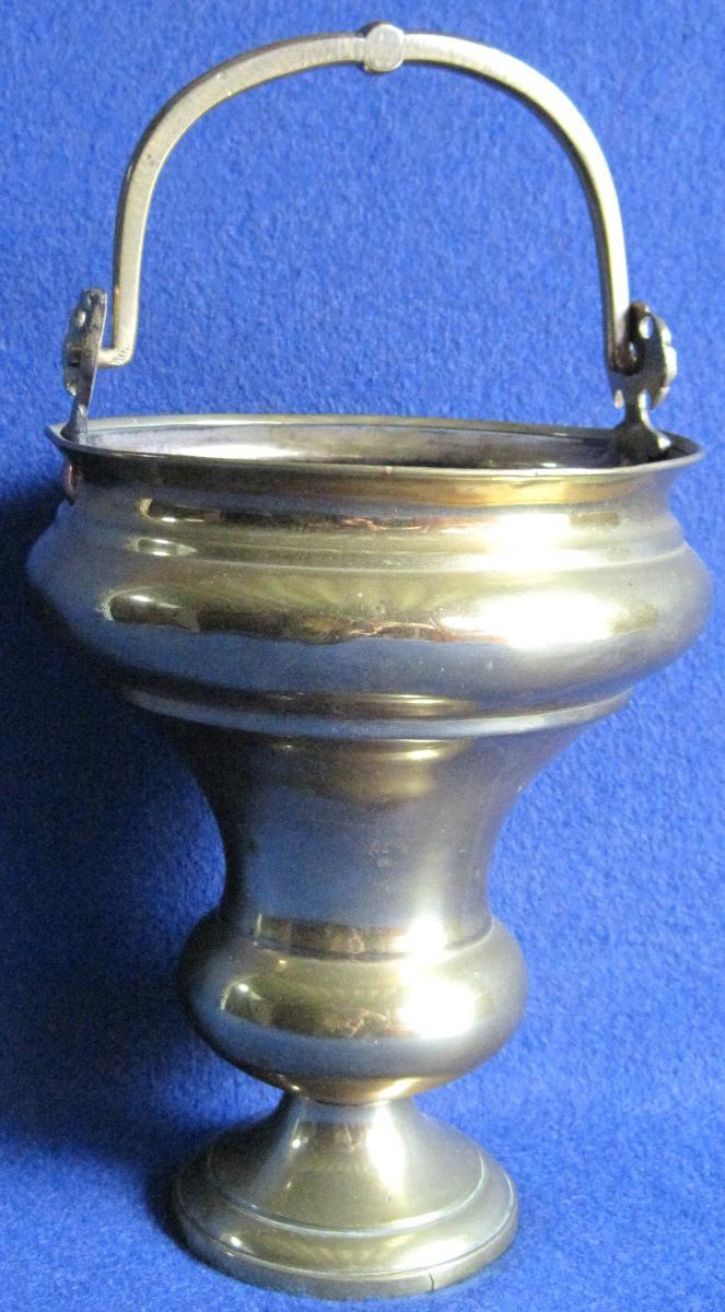 Seau en laiton, à eau bénite. Début XIXe s.-photo-3