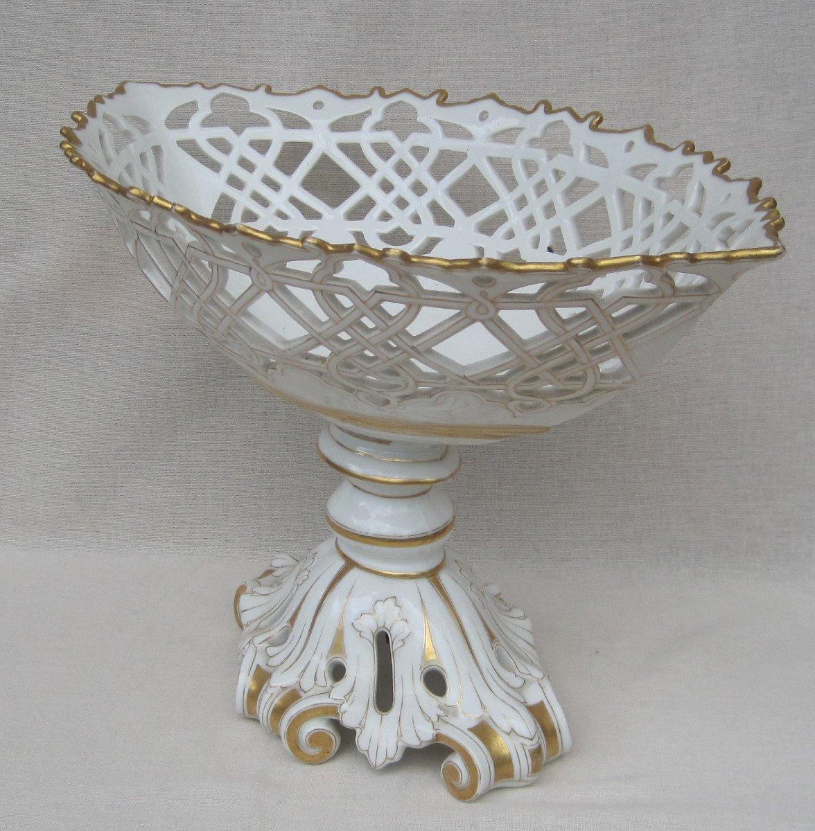 Importante Coupe forme corbeille, ajourée en porcelaine de PARIS. XIXe s.-photo-2