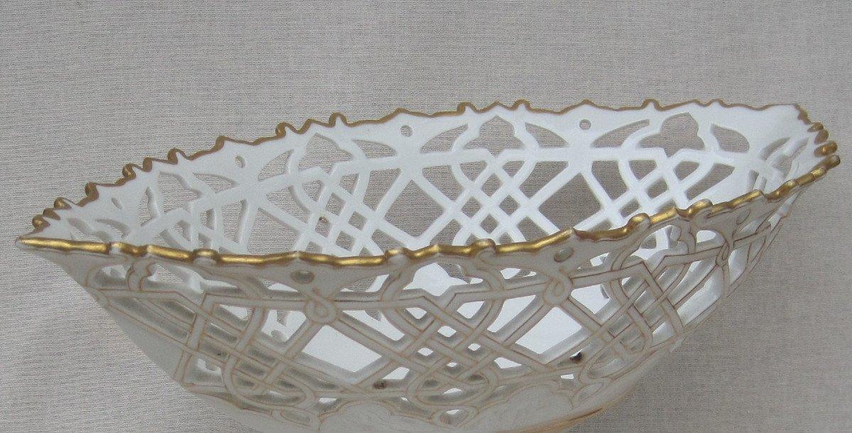 Importante Coupe forme corbeille, ajourée en porcelaine de PARIS. XIXe s.-photo-3