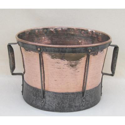 Ferrat en cuivre, armature en fer forgé. XVIIIe s.