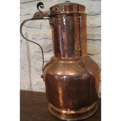 Coquemar en cuivre, forgé au marteau. Début XVIIIe s.