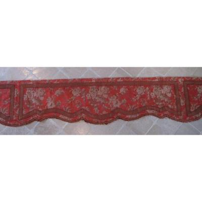 Scalloped Valance. 19th Century.