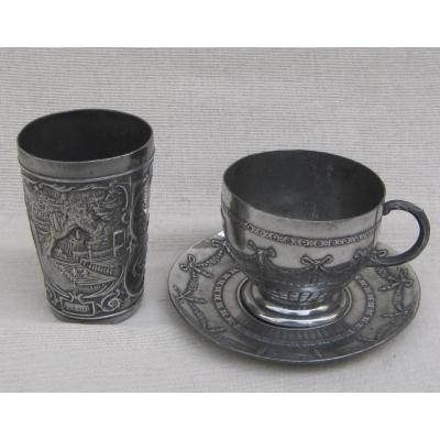 Gobelet, Tasse et Sous-tasse, en étain. LOURDES. Fin XIXe s.