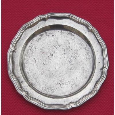 Round Dish, Pewter, 28.7 Cm, With Scalloped And Molded Edge. 18th Century.