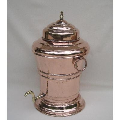 Fontaine de table, en cuivre. XVIIIe s.