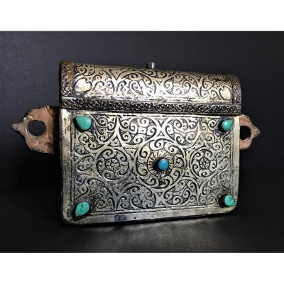 Porte Coran, Argent, Cuivre Et Turquoises Afrique Du Nord Fin 19ème Début 20ème, Art Islamique