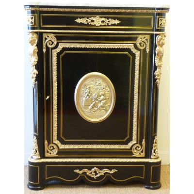 Support Furniture With Napoleon III Medallion