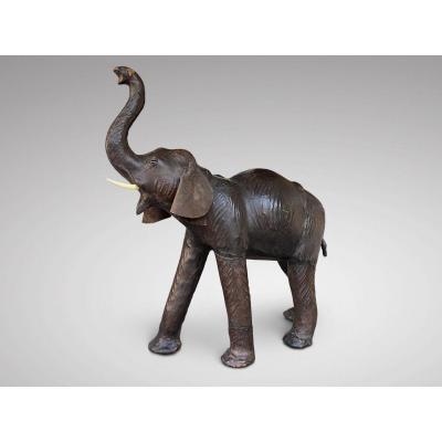 Grand Eléphant en Cuir par  Liberty Of London