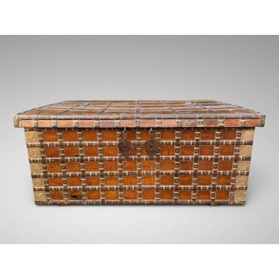 19C Superbe Malle Anglo-Indienne ou Table Basse de Salon