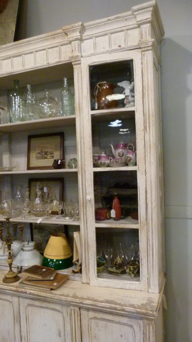 Old Showcase