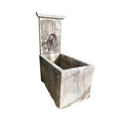 Fontaine En Pierre XVIIIeme