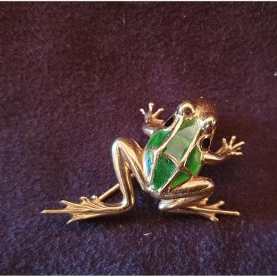 Frog Brooch In Gold And Plique A Days 1900