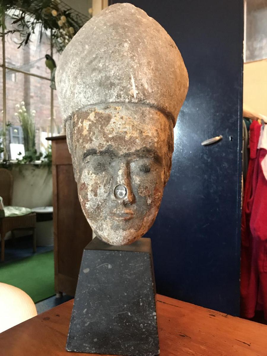 Sculpture Tête d'Evèque en Pierre Calcaire