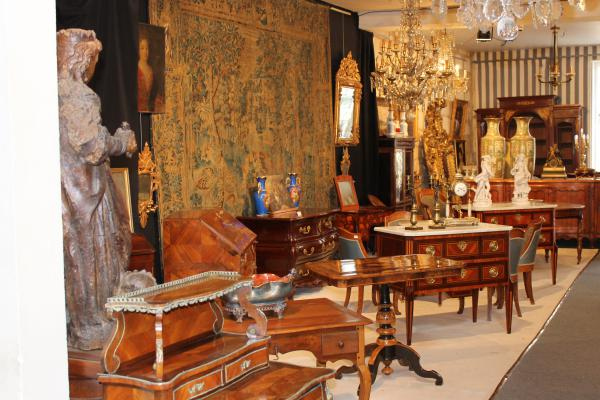Tous les antiquaires de proantic for Decoration 19eme siecle