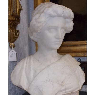 Buste en marbre figure d'une femme  Italie 19 siècle