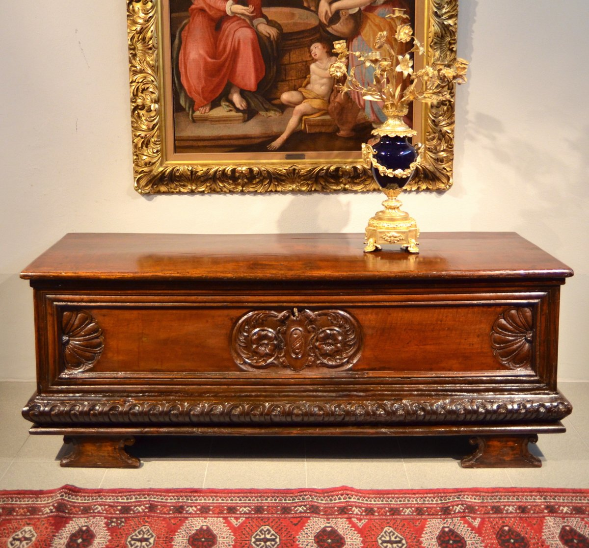 Italian Chest In Carved Walnut Wood, Lombardy (bergamum) Seventeenth Century