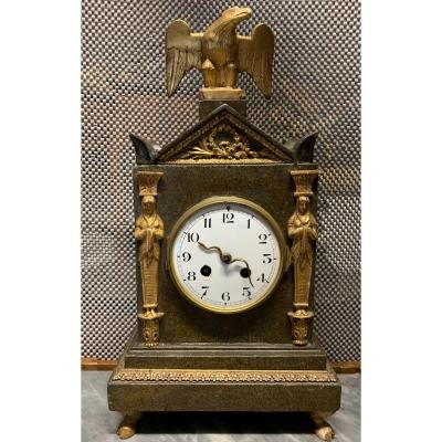 Table Clock In Faux Marble And Golden Decorations - Second Empire