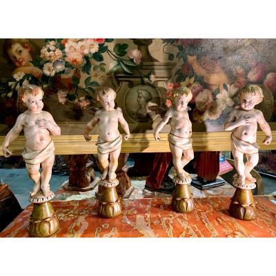 Quatre Sculptures En Bois d'Anges Polychrome - XIXe Siecle