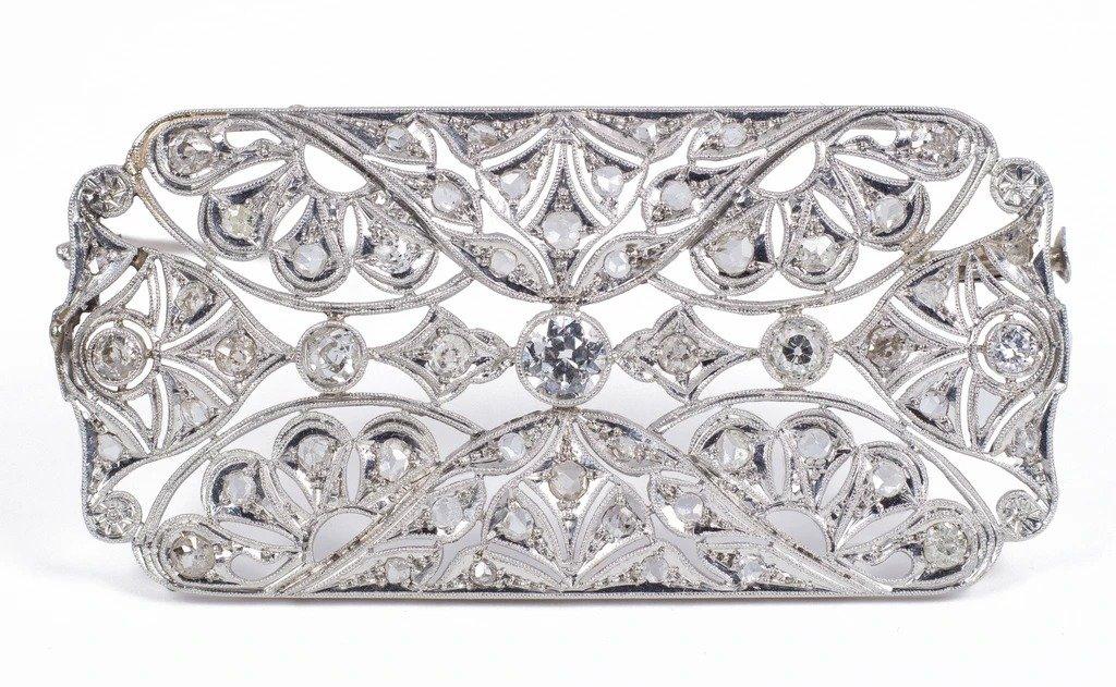 Broche Ancienne Art Déco En Platine Avec Des Diamants Taille Brillant Et Diamants Taille Rose