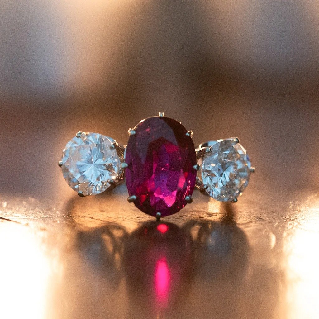 Vintage Trilogy Ring In 18k White Gold With Central Ruby (2.30 Ct) And Diamonds (2.54 Ct)