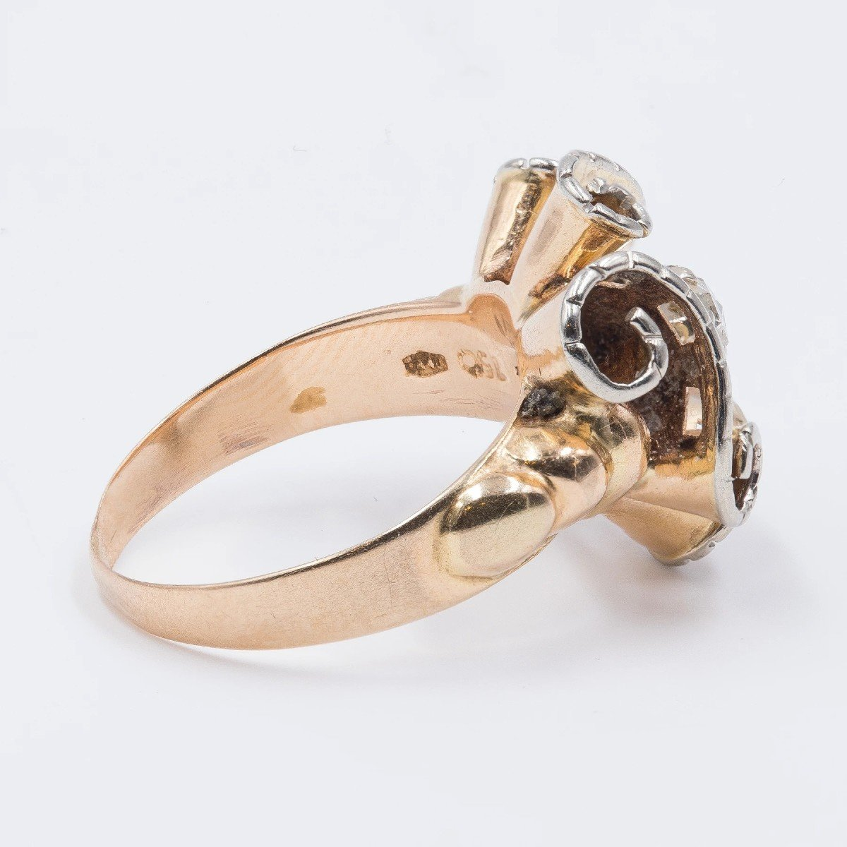 Vintage 18k Gold Ring With A Center Crowned Rose Cut Diamond