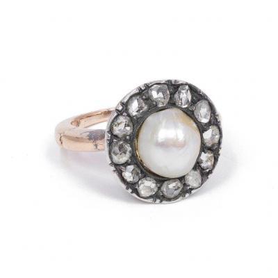 Bague Ancienne En Or 18k et argent  Avec Perle Centrale Et  Diamants, Début Des Années 1900