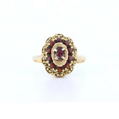 Vintage 18k Gold Ring With Garnets